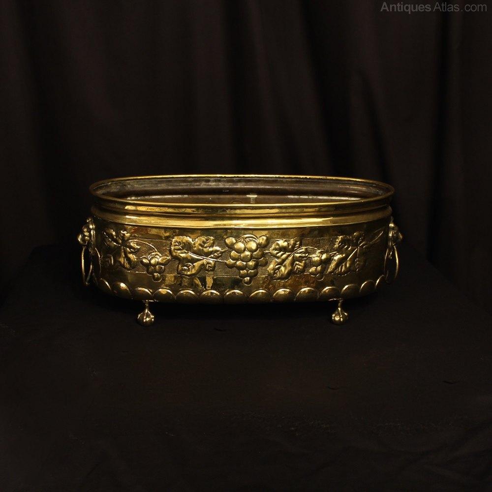 Antiques atlas a french brass decorative antique jardini re for Jardiniere decorative