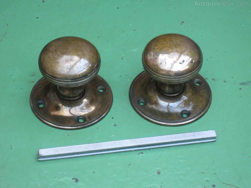 Antiques atlas old cast copper bronze door knobs for 1920 door knobs