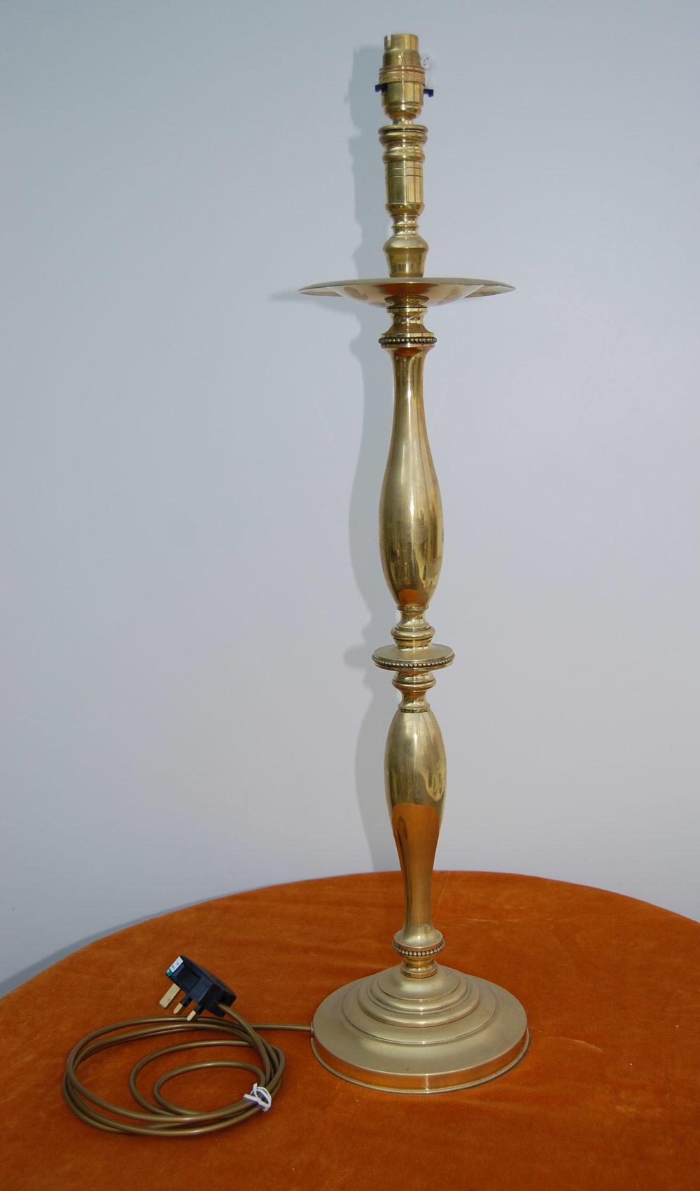 antiques atlas large vintage brass table lamp. Black Bedroom Furniture Sets. Home Design Ideas