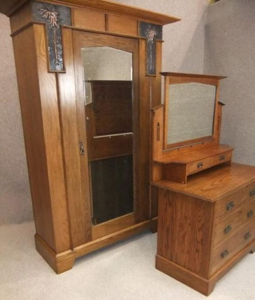 Wardrobe With Table: Arts And Crafts Oak Wardrobe And Dressing Table