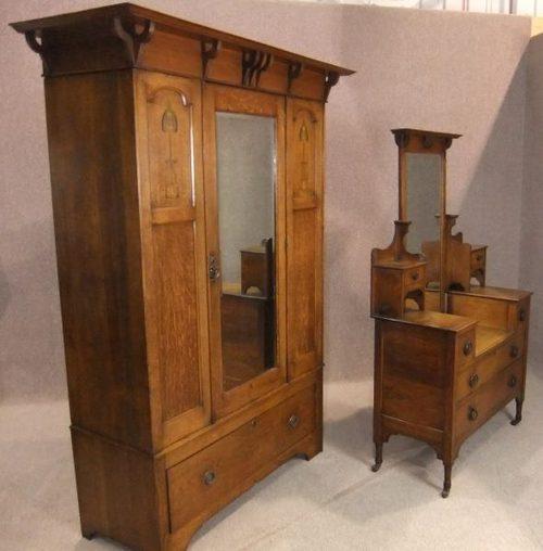 Oak arts crafts bedroom suite antiques atlas for Arts and craft bedroom furniture