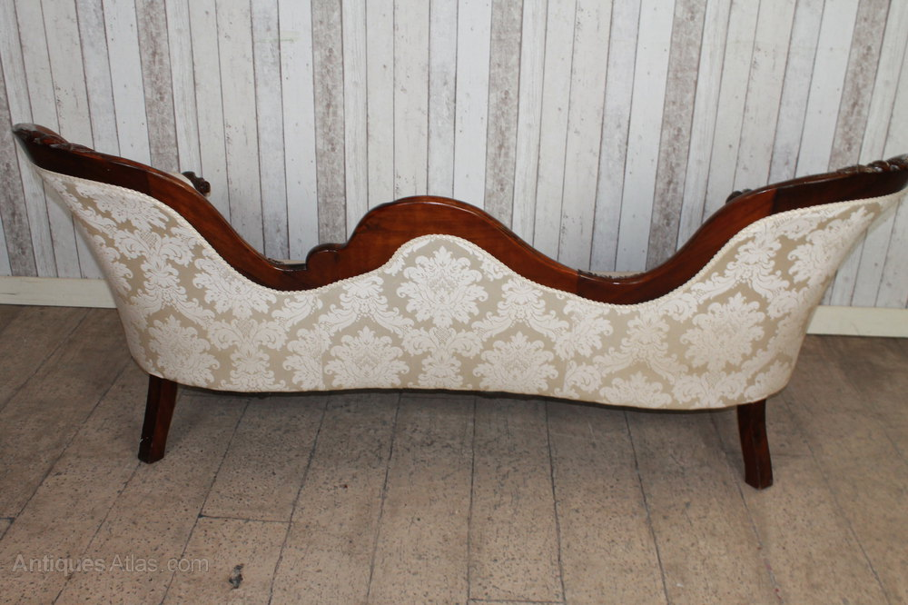 Victorian style mahogany sofa chaise lounge antiques atlas for Antique mahogany chaise lounge