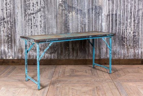 Antiques atlas vintage folding restaurant table for Cuisine table retractable