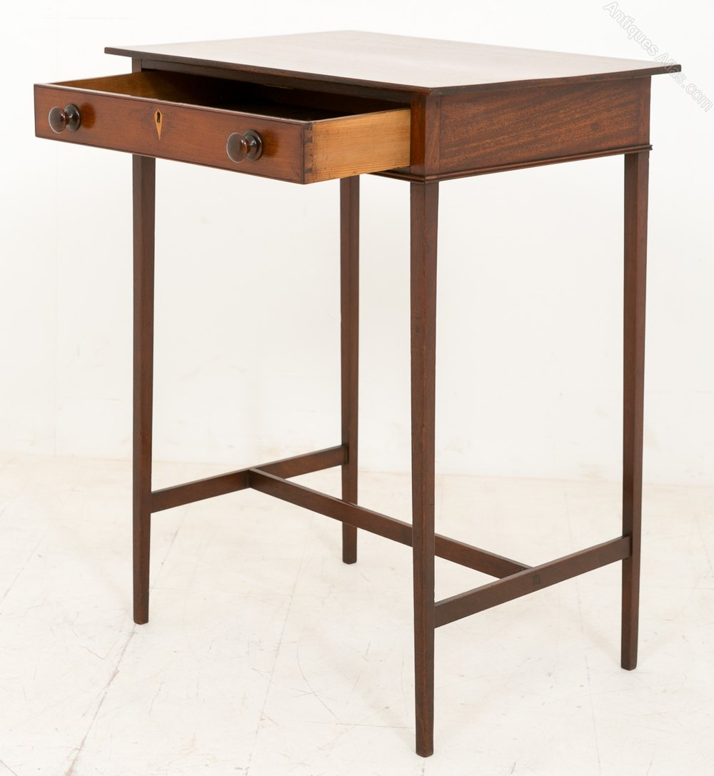 Pretty georgian side table of very simple form antiques for Simple end table