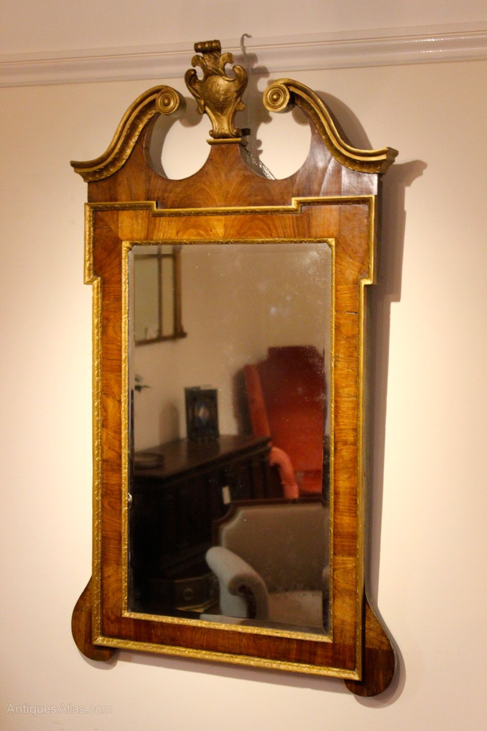 Antiques atlas 19thc walnut gilt wall mirror for Antique wall mirrors