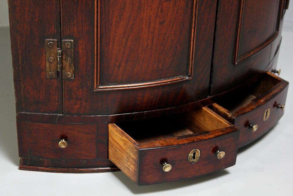 18th Century Oak Bow-Front Corner Cupboard - Antiques Atlas