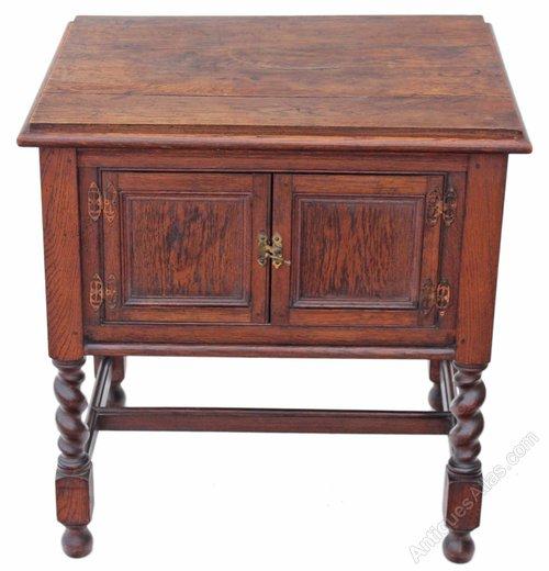 heavy oak cupboard cabinet washstand tv sideboard antiques atlas. Black Bedroom Furniture Sets. Home Design Ideas