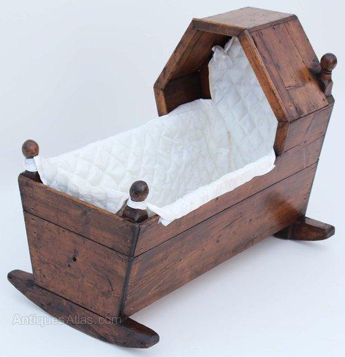 Victorian Pine Baby Rocking Crib Cot Moses Basket