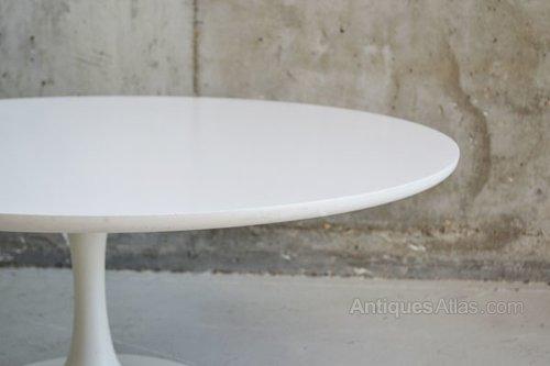 Saarinen Tulip Table Tables Eero Saarinen Knoll