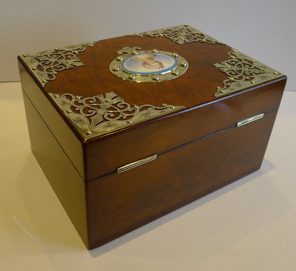 dating antique boxes
