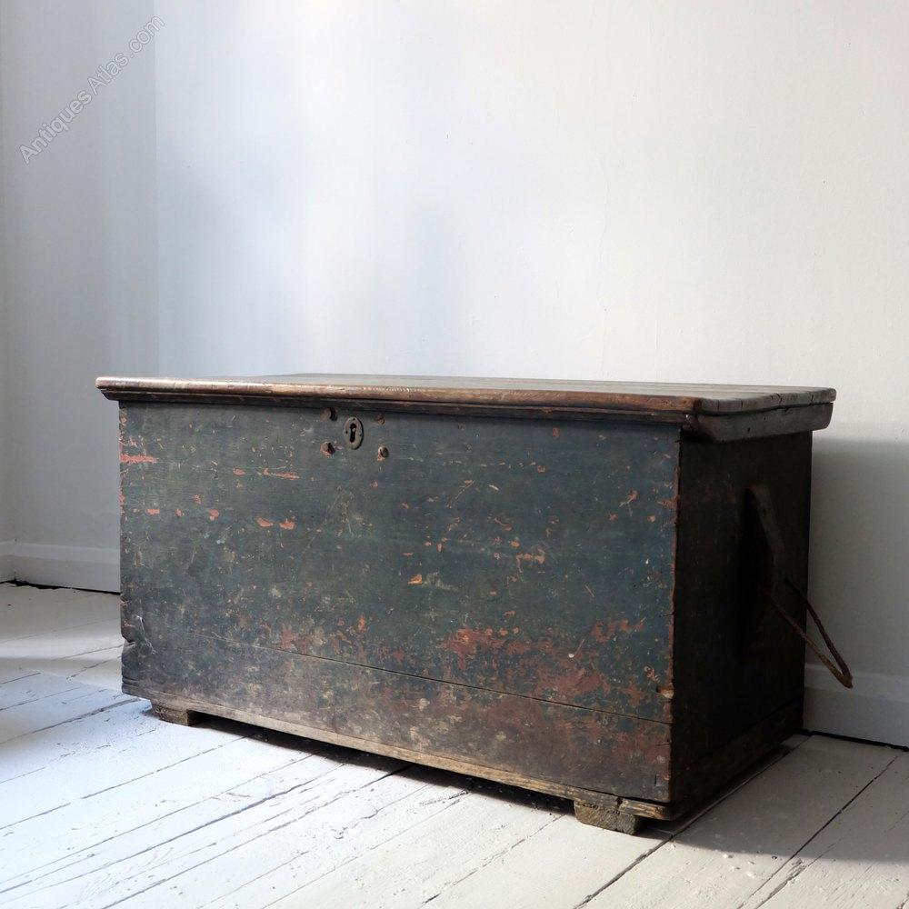 Antique seaman 39 s trunk antiques atlas for Seamans furniture