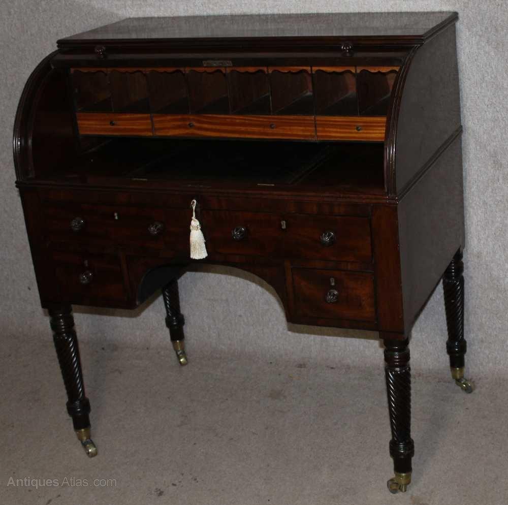 1830 s Elegant William 4th Cylinder Mahogany Desk