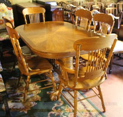Large Golden Oak Dining Table 6 Matching Chairs