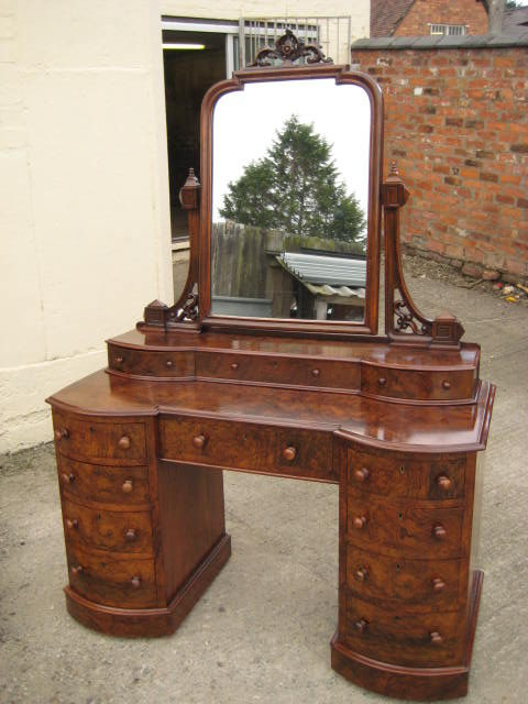 Victorian walnut dressing table antiques atlas for Walnut dressing table