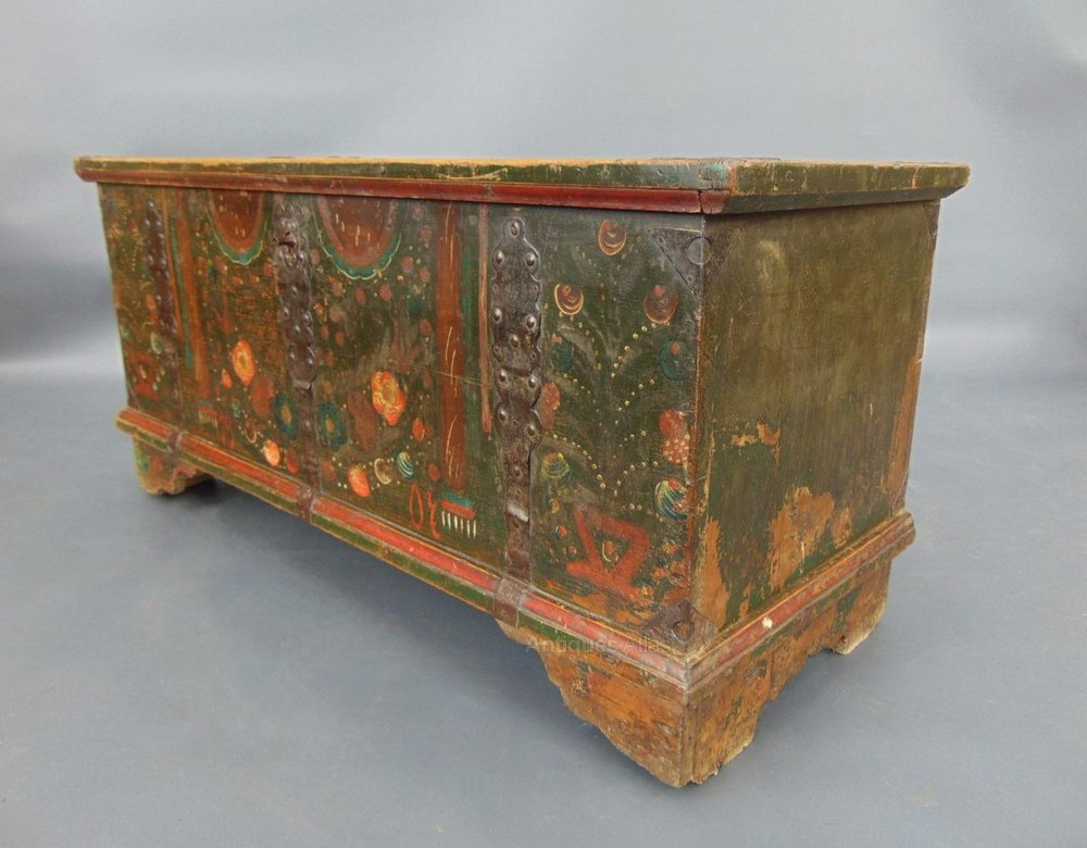 Antique hand painted swedish chest coffer antiques atlas for Hand painted chests