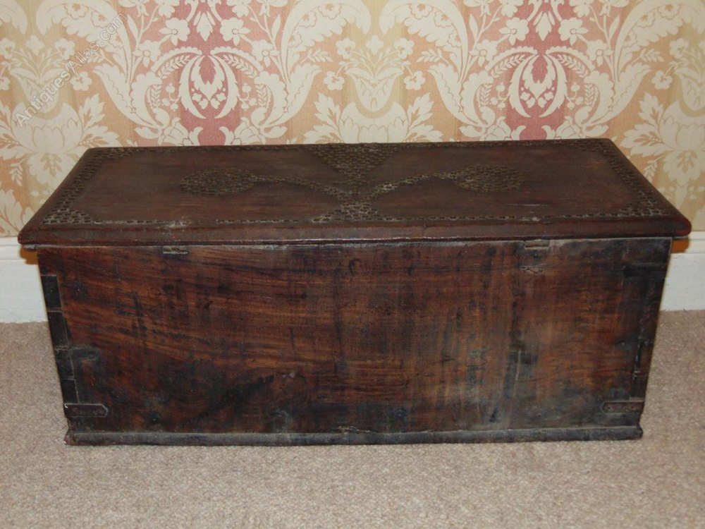 Studded Oak Breton Coffer Chest Coffee Table Antiques Atlas