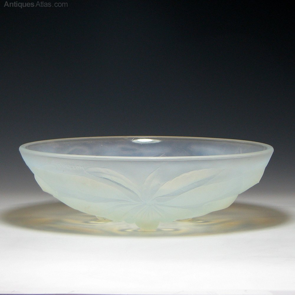 antiques atlas vallon opalescent art deco glass bowl c1930. Black Bedroom Furniture Sets. Home Design Ideas