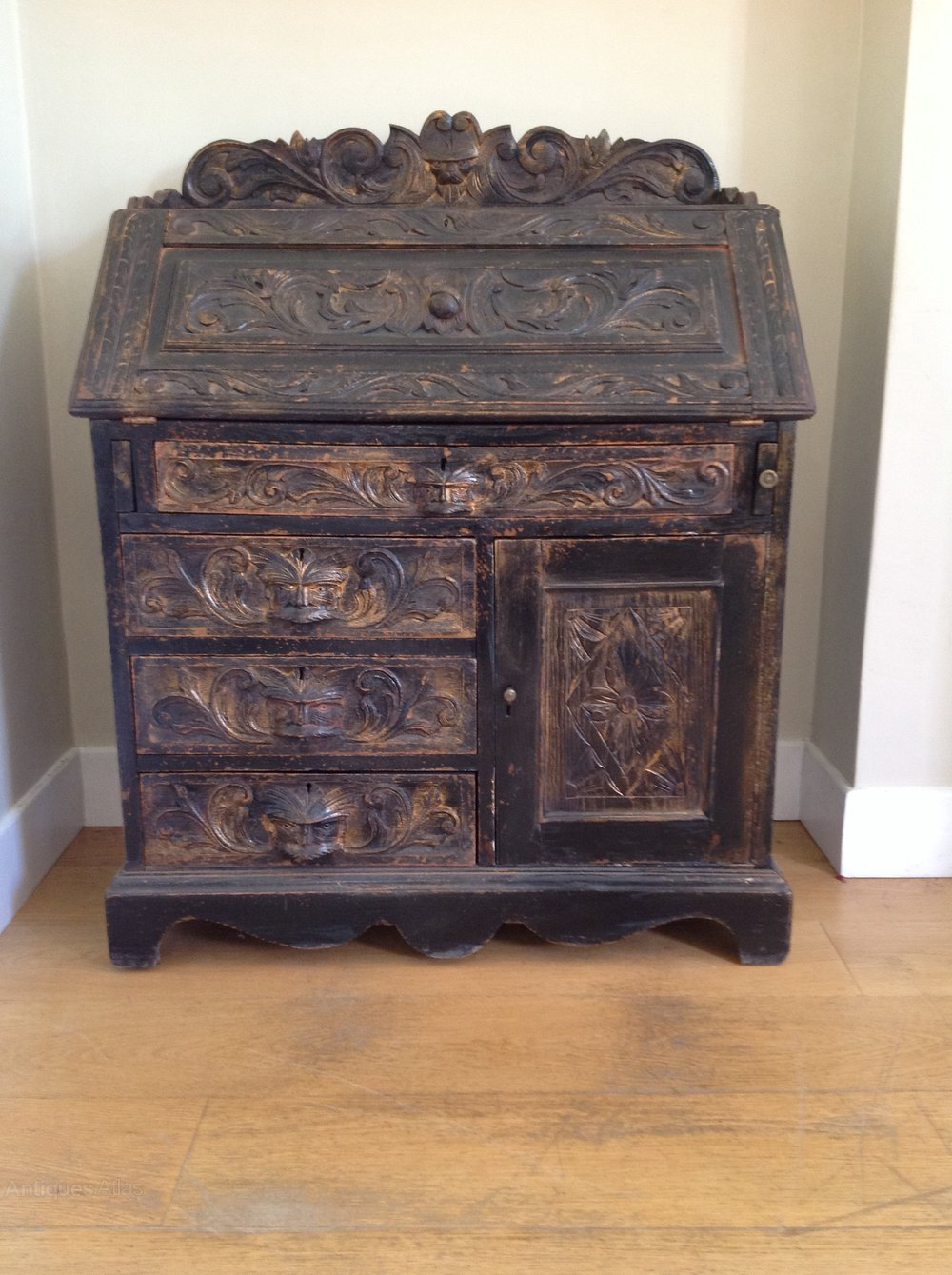 Victorian carved painted bureau antiques atlas for Victorian furniture