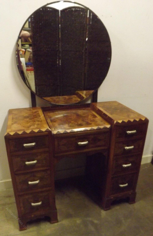 stunning art deco dressing table walnut veneers antiques atlas. Black Bedroom Furniture Sets. Home Design Ideas