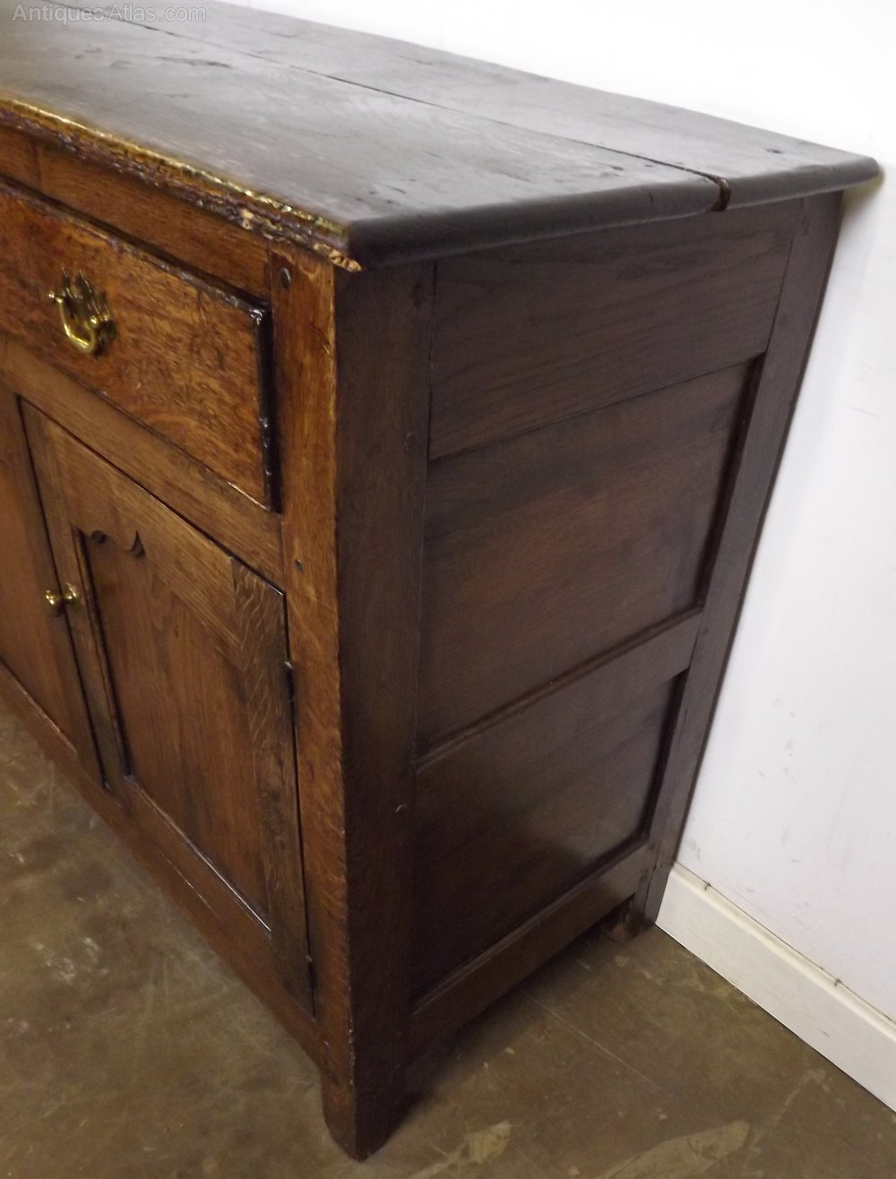 vintage solid oak sideboard in the georgian style antiques atlas. Black Bedroom Furniture Sets. Home Design Ideas
