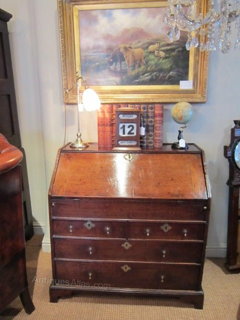 small original george i period oak bureau antiques atlas. Black Bedroom Furniture Sets. Home Design Ideas