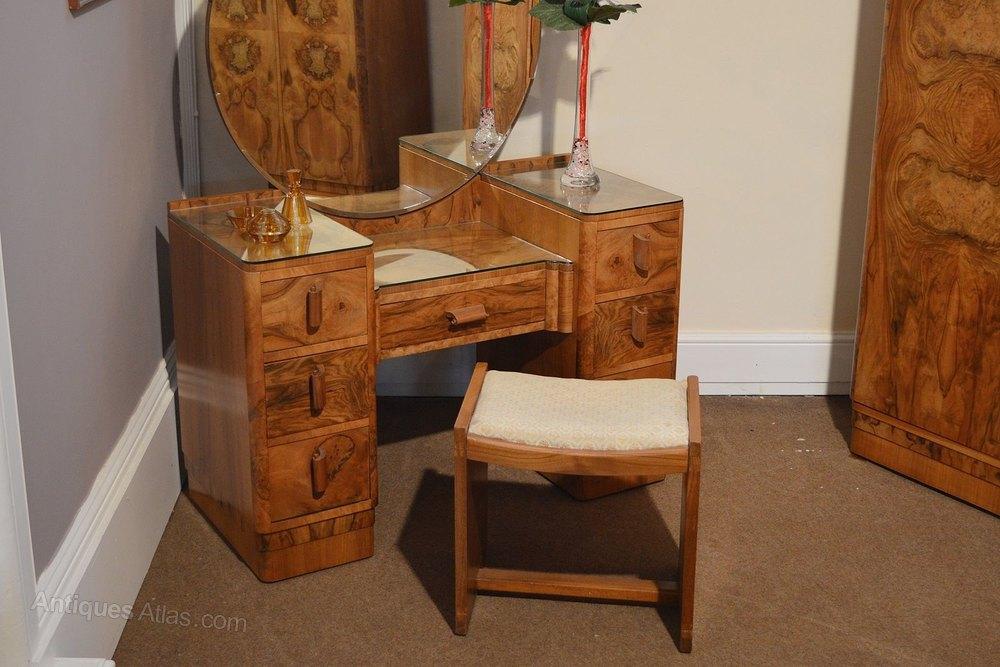 Art deco bedroom suite in burr walnut antiques atlas for Vintage bedroom suite