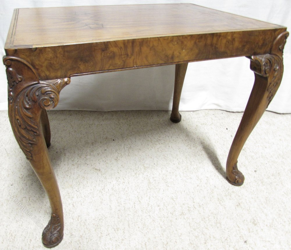 Cute walnut coffee table antiques atlas for Cute coffee tables