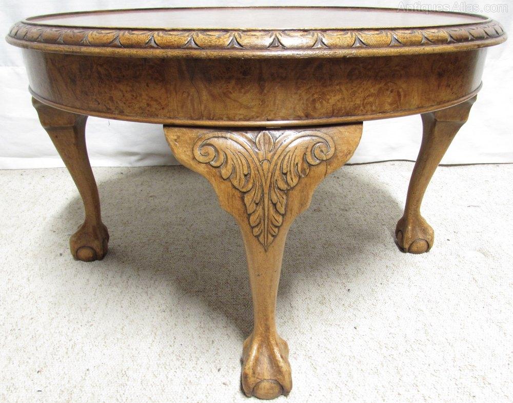 Round burr walnut coffee table antiques atlas for Walnut coffee table