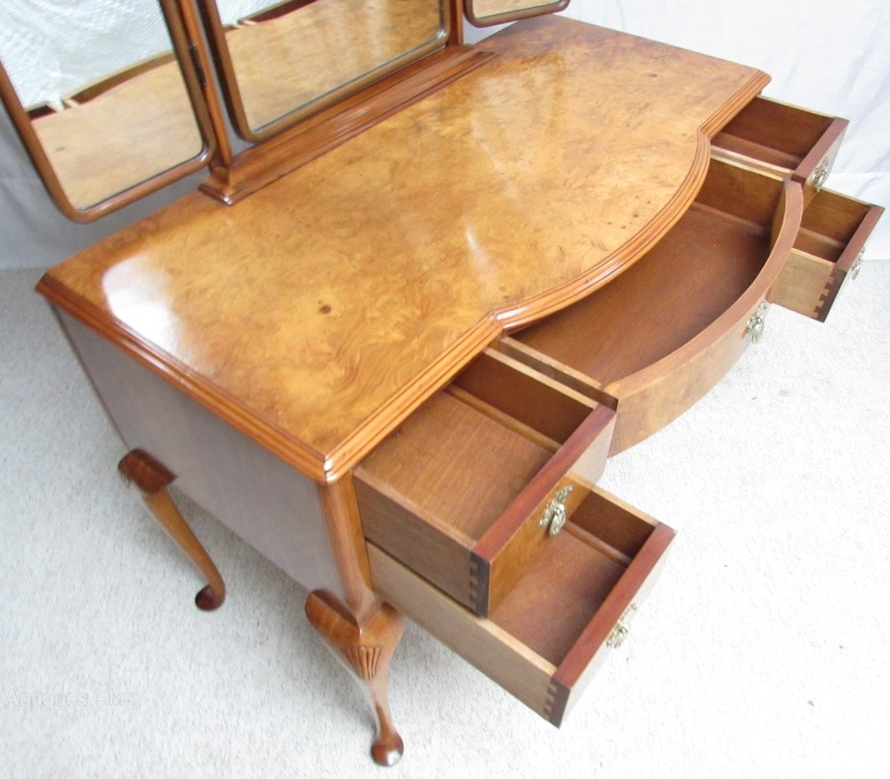 Superb burr walnut dressing table stool antiques atlas for Walnut dressing table