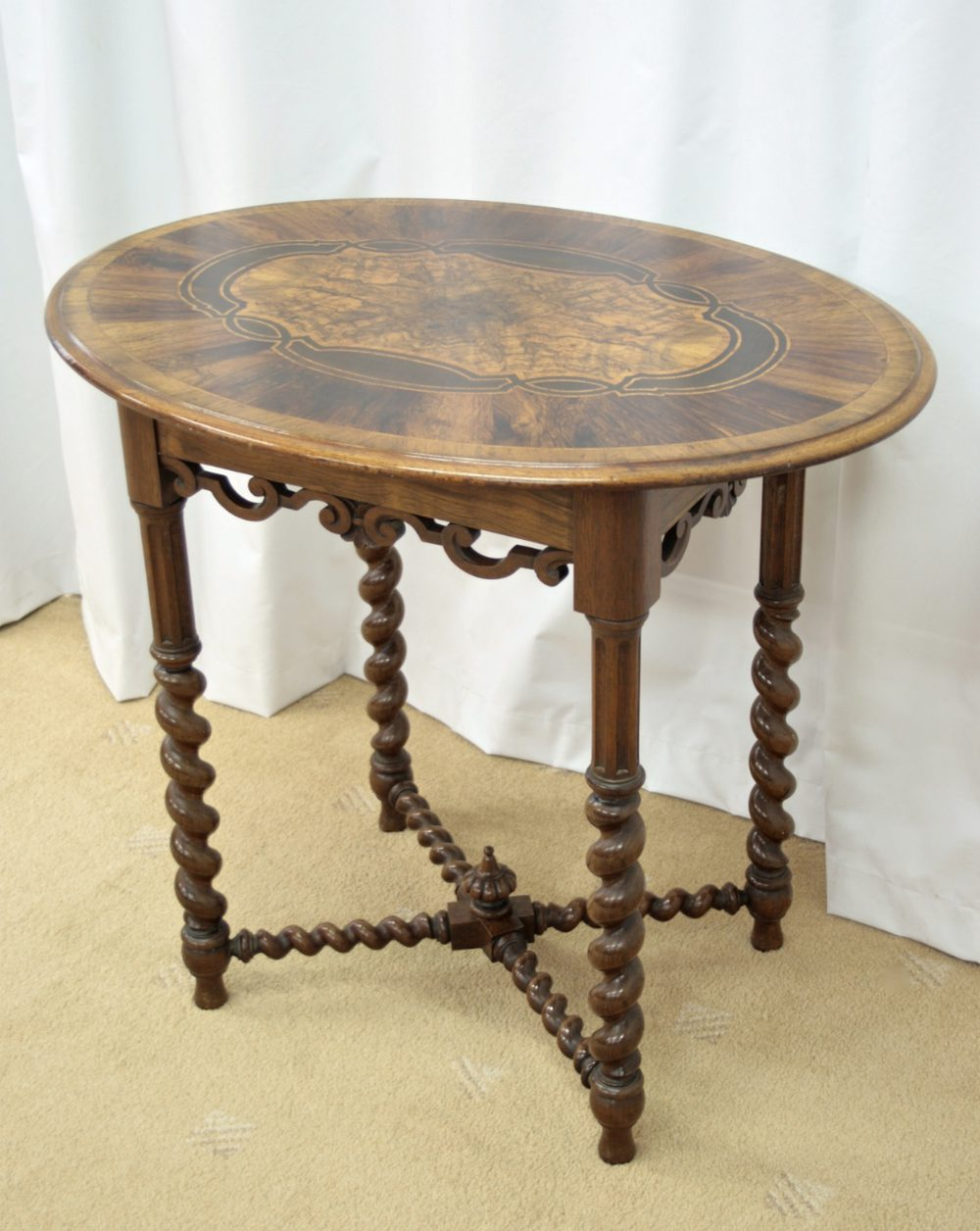 victorian walnut oval occasional table antiques atlas. Black Bedroom Furniture Sets. Home Design Ideas