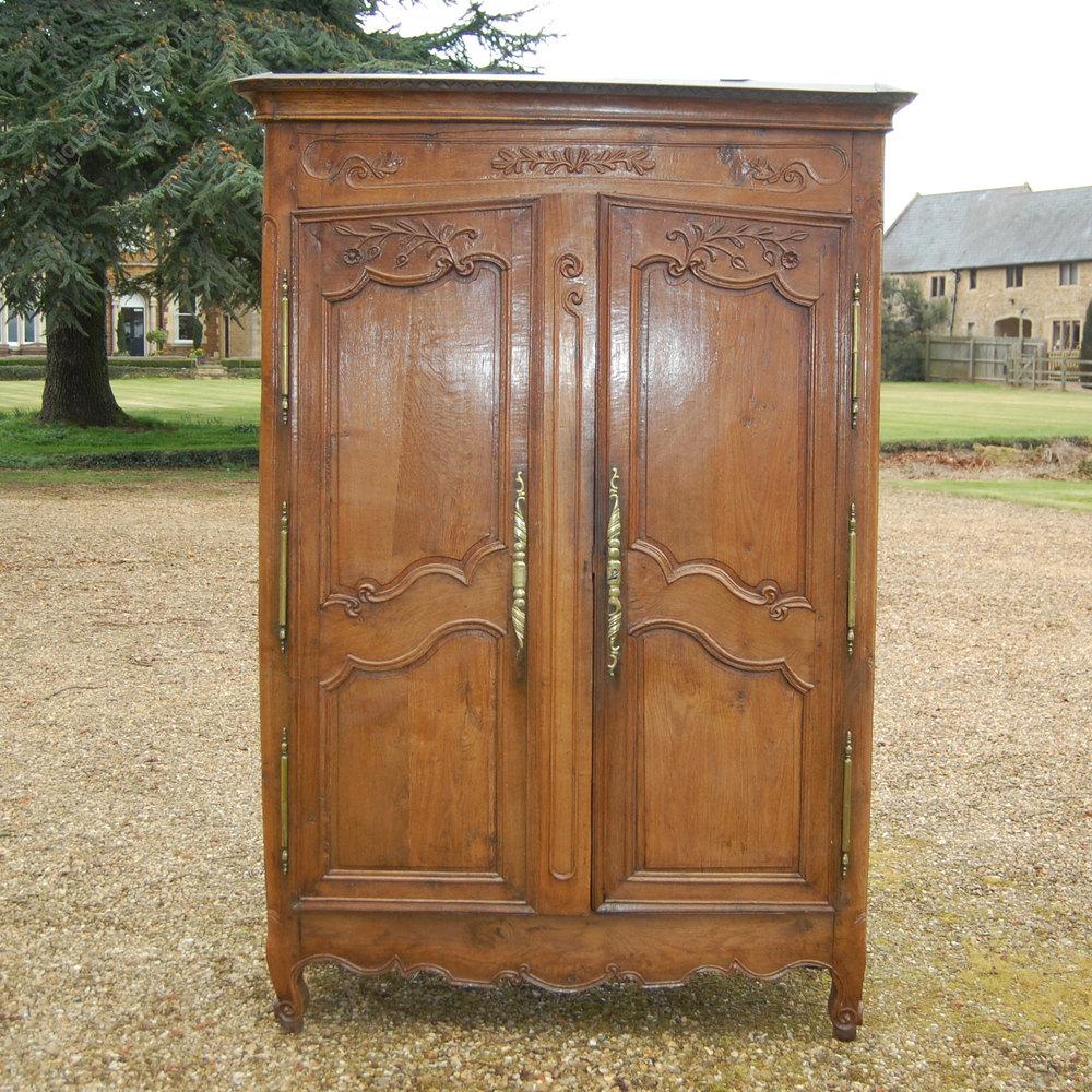 antique oak armoire c1004 antiques atlas. Black Bedroom Furniture Sets. Home Design Ideas