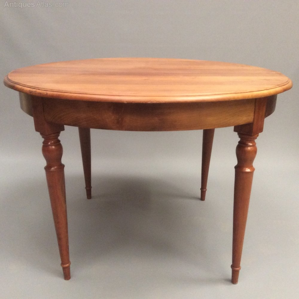 French cherry wood round kitchen dining table antiques atlas for Cherry dining table