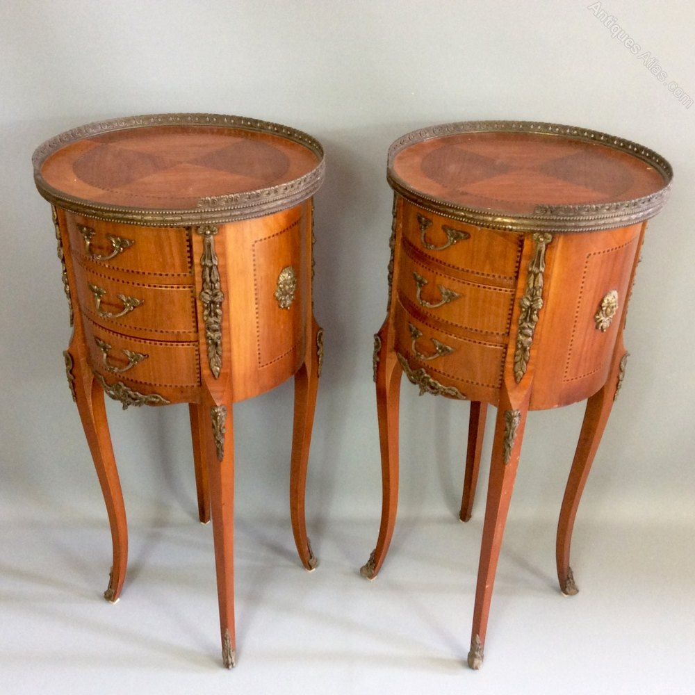 Pair Of French Round Satinwood Side Tables Antiques Atlas