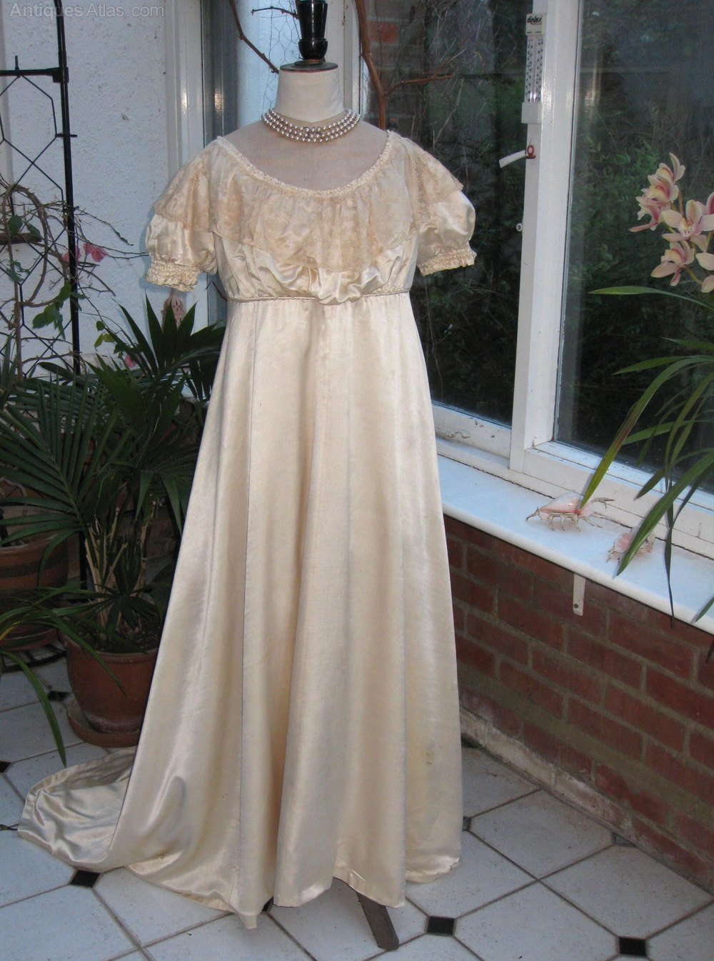 Antiques Atlas - Antique Elegant Ball Gown In Silk Satin C ...