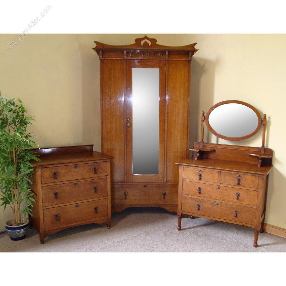 Oak Bedroom Suite Arts Crafts Scottish Oak Bedroom Suite Antiques Atlas