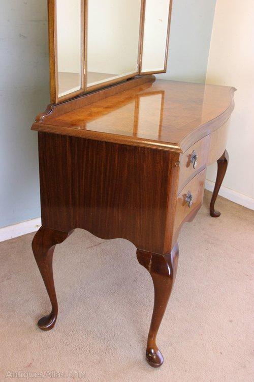 Antique burr walnut dressing table antiques atlas for Walnut dressing table