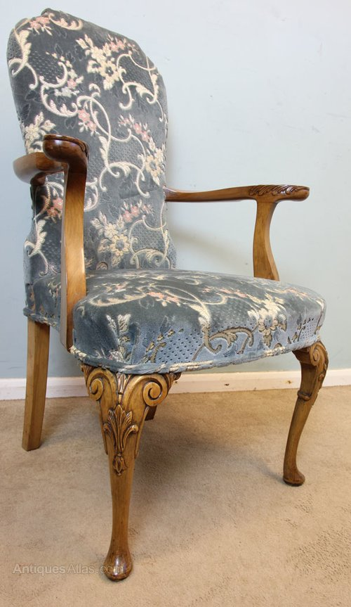 Set Eight Walnut Queen Anne Style Dining Chairs Antiques Atlas