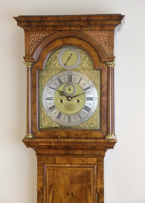 Antique London Walnut Longcase Clock, c1725.