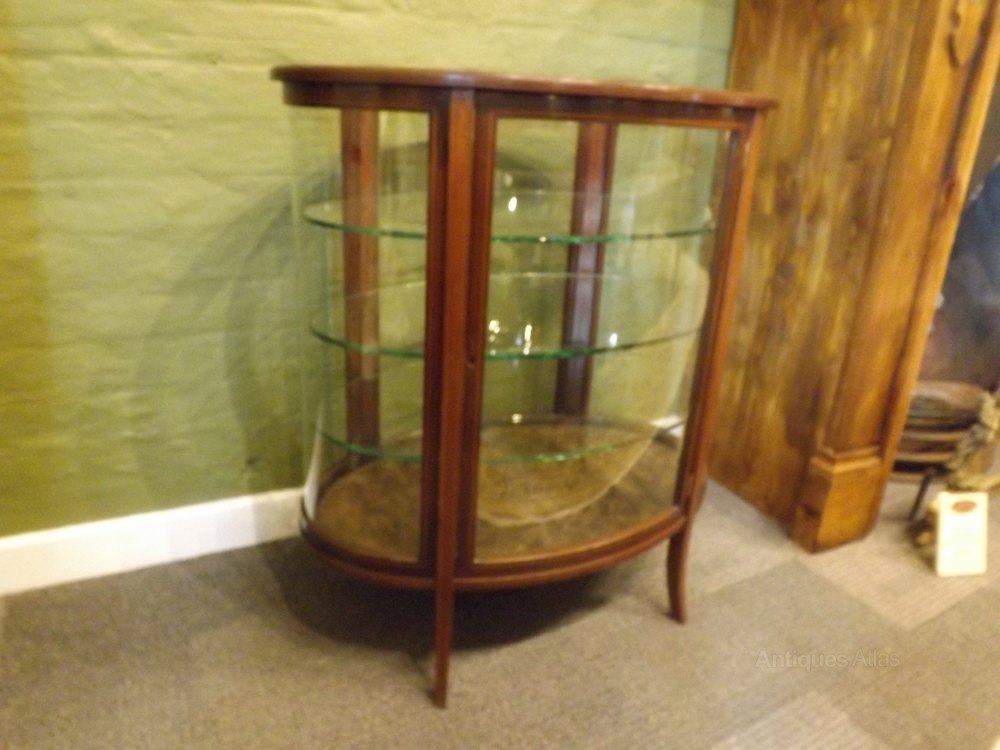 edwardian inward mahogany oval vitrine antiques atlas. Black Bedroom Furniture Sets. Home Design Ideas