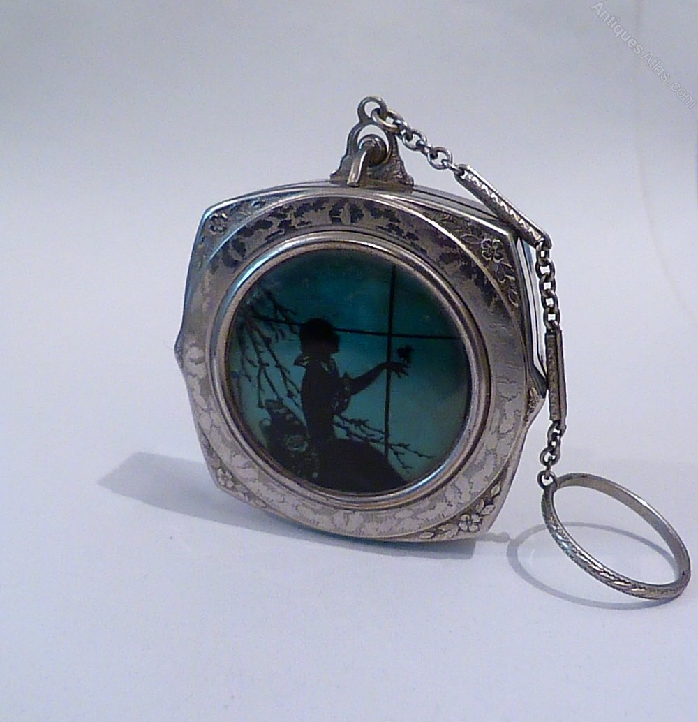 Ladies Compact With Finger Ring