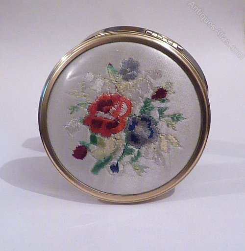 antiques atlas unusual gifts for her vintage compact 1950s