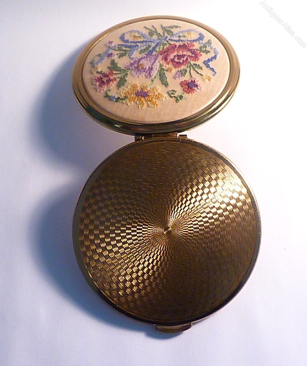 Vintage compacts for topic, pleasant