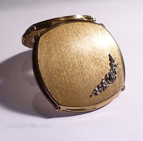 Can Vintage compacts for
