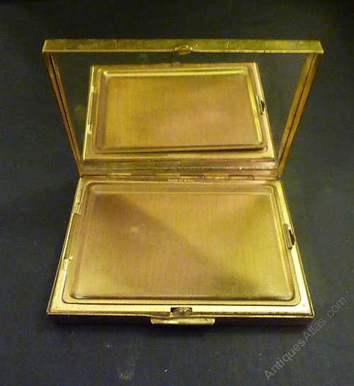 Antiques Atlas Vintage Powder Compact