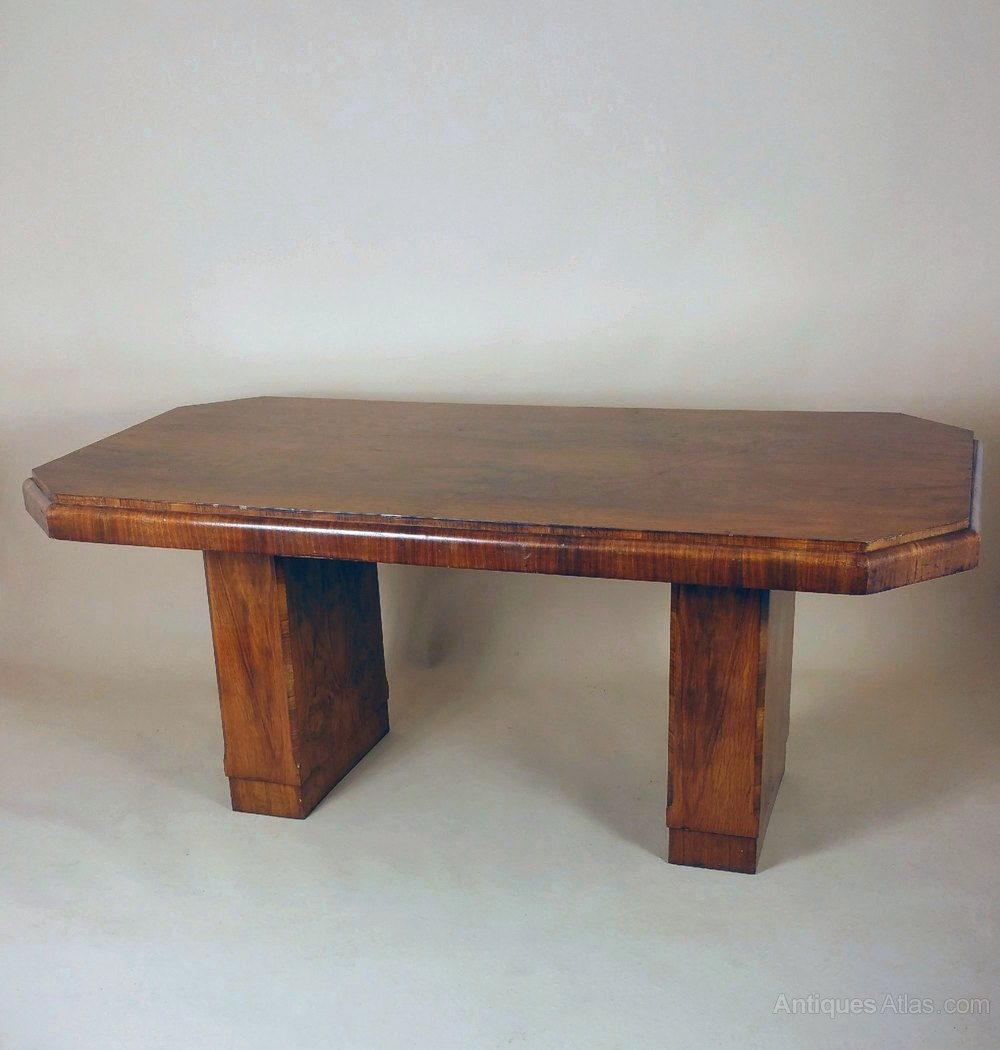Art deco walnut dining table antiques atlas for Walnut dining table