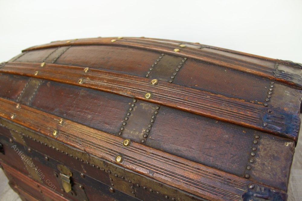 metal and wood bound dome top trunk antiques atlas. Black Bedroom Furniture Sets. Home Design Ideas