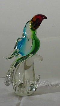 Antique Cockatoo Parrot 107