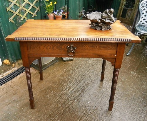 Arts and crafts oak side table antiques atlas for Arts and crafts side table