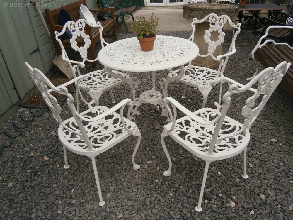 Antiques atlas metal garden table 4 chairs for Metal garden table and chairs