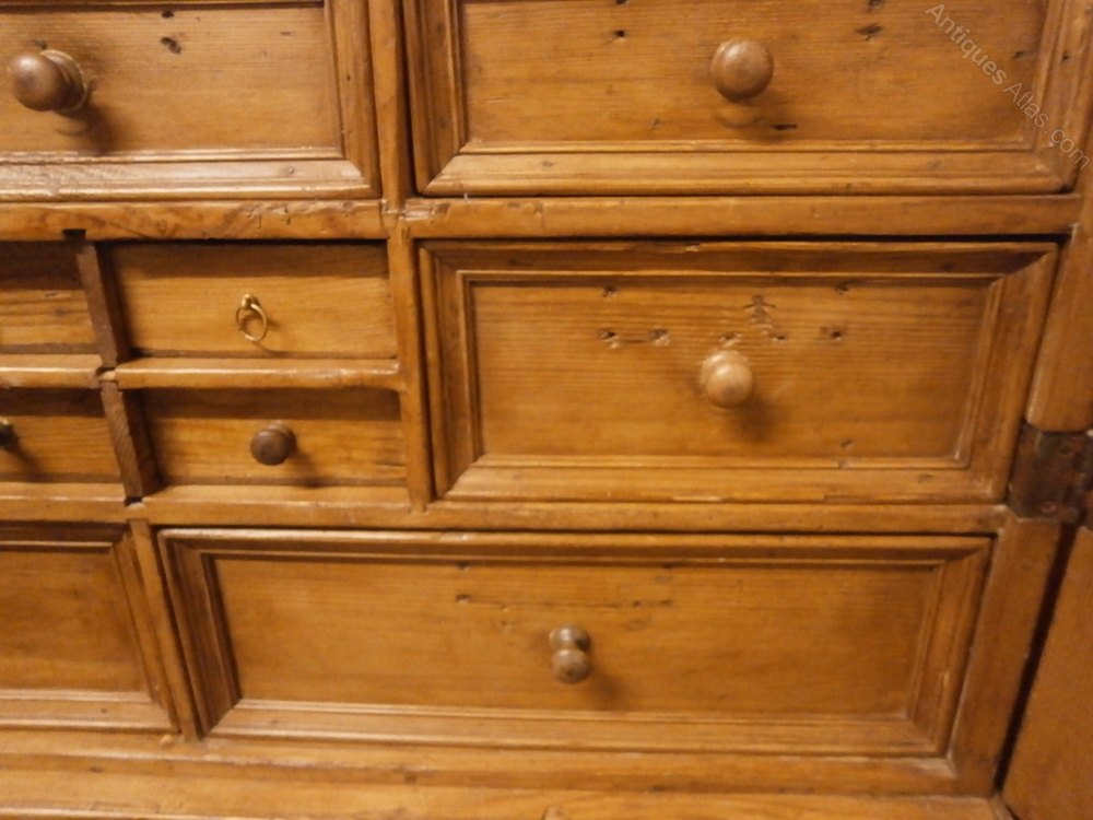 Large pine spice cabinet antiques atlas for Antique pine kitchen cabinets